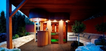 Outdoor combined sauna house
